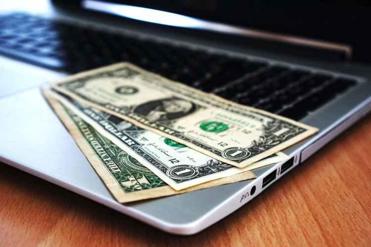 computer-buy-money-banknotes-163056.jpeg