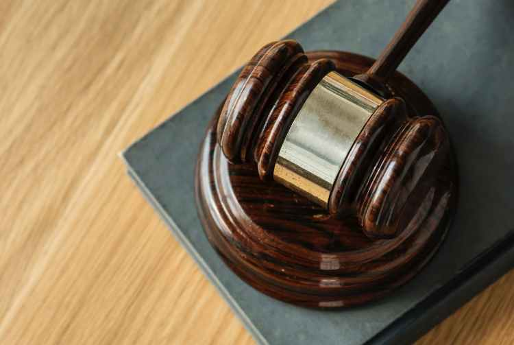 brown wooden gavel close up photography